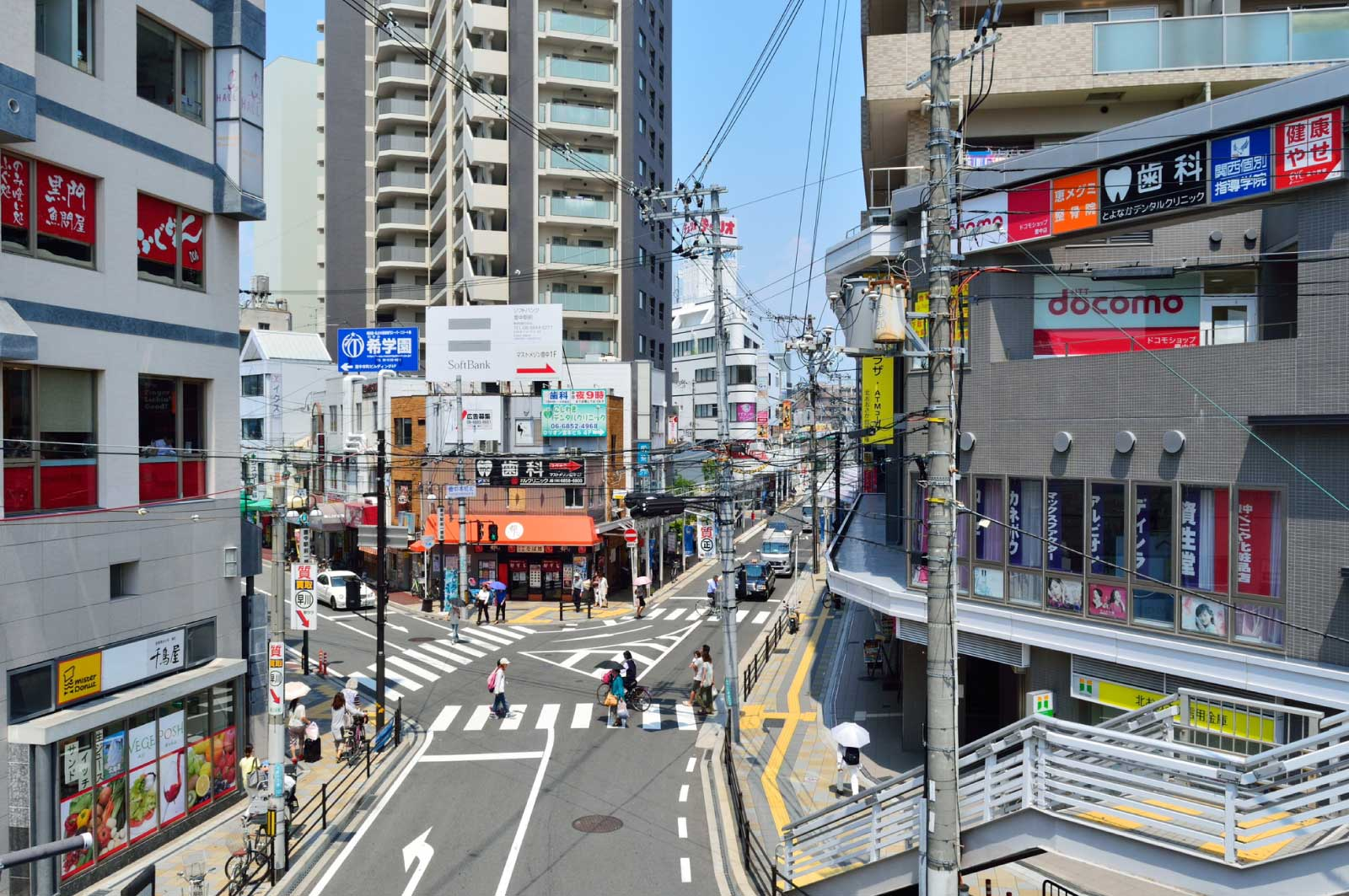 阪急豊中駅前
