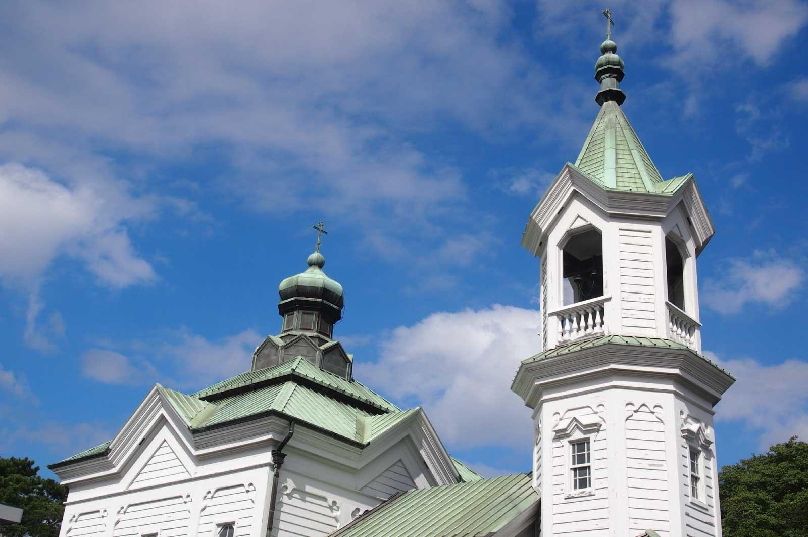 建築はビザンティン(ロシア)建築の影響を強く受けた