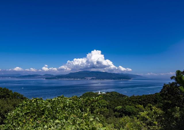 入道雲と和歌山の友ヶ島
