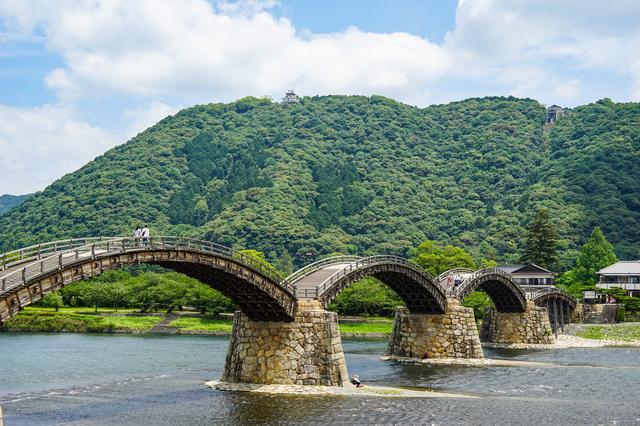 自然と一体となった錦帯橋