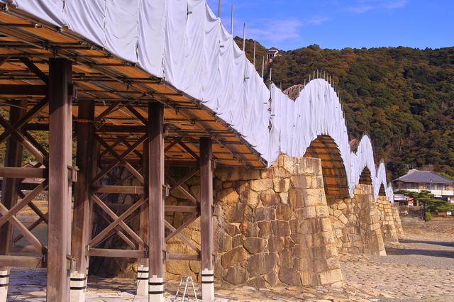 定期的に架け替え工事が行われている錦帯橋