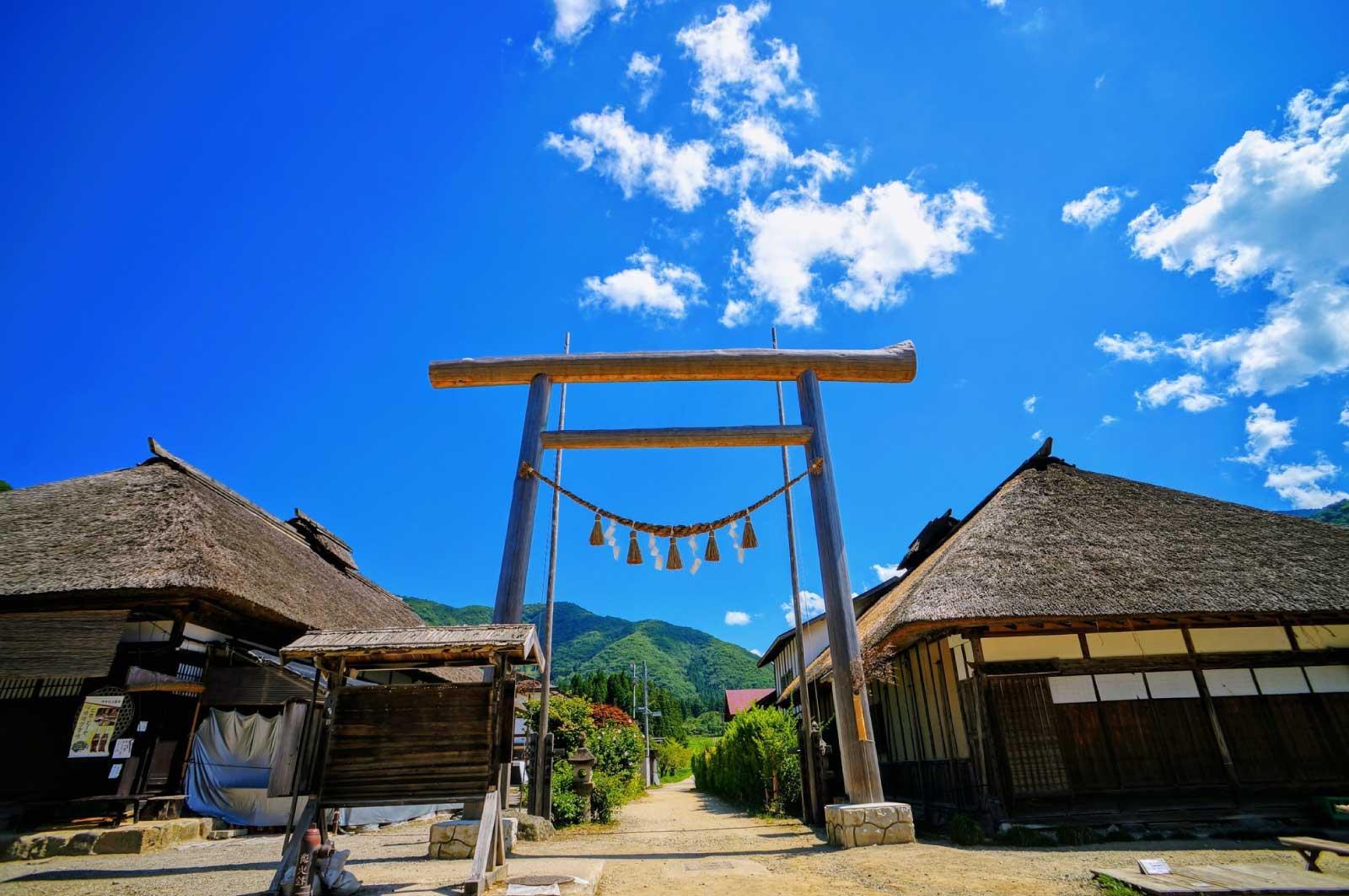 大内宿は江戸時代の会津西街道(下野街道)の宿場町の1つ