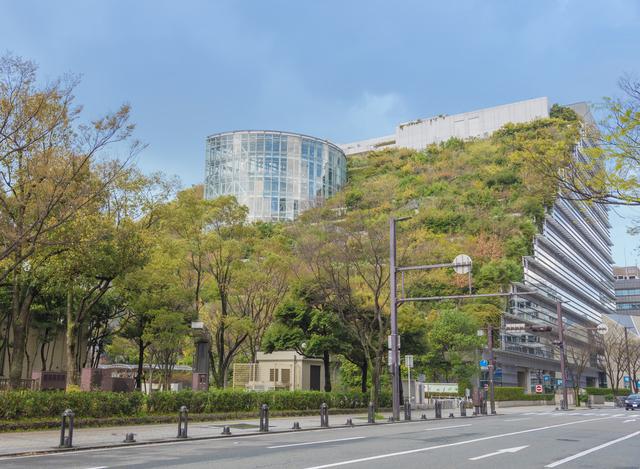 コンサートや講演会が行われる「福岡シンフォニーホール」