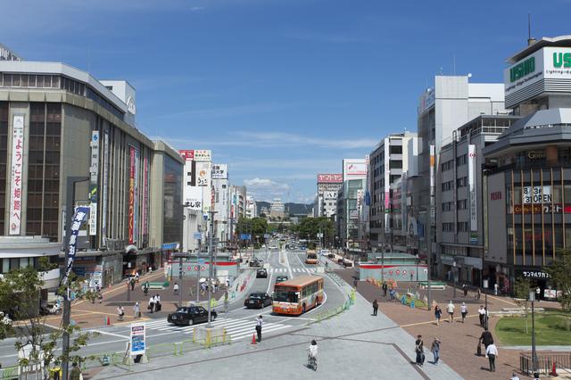 姫路駅前(大手前通り)