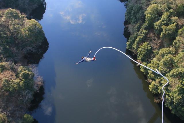 竜神大吊橋のバンジージャンプ