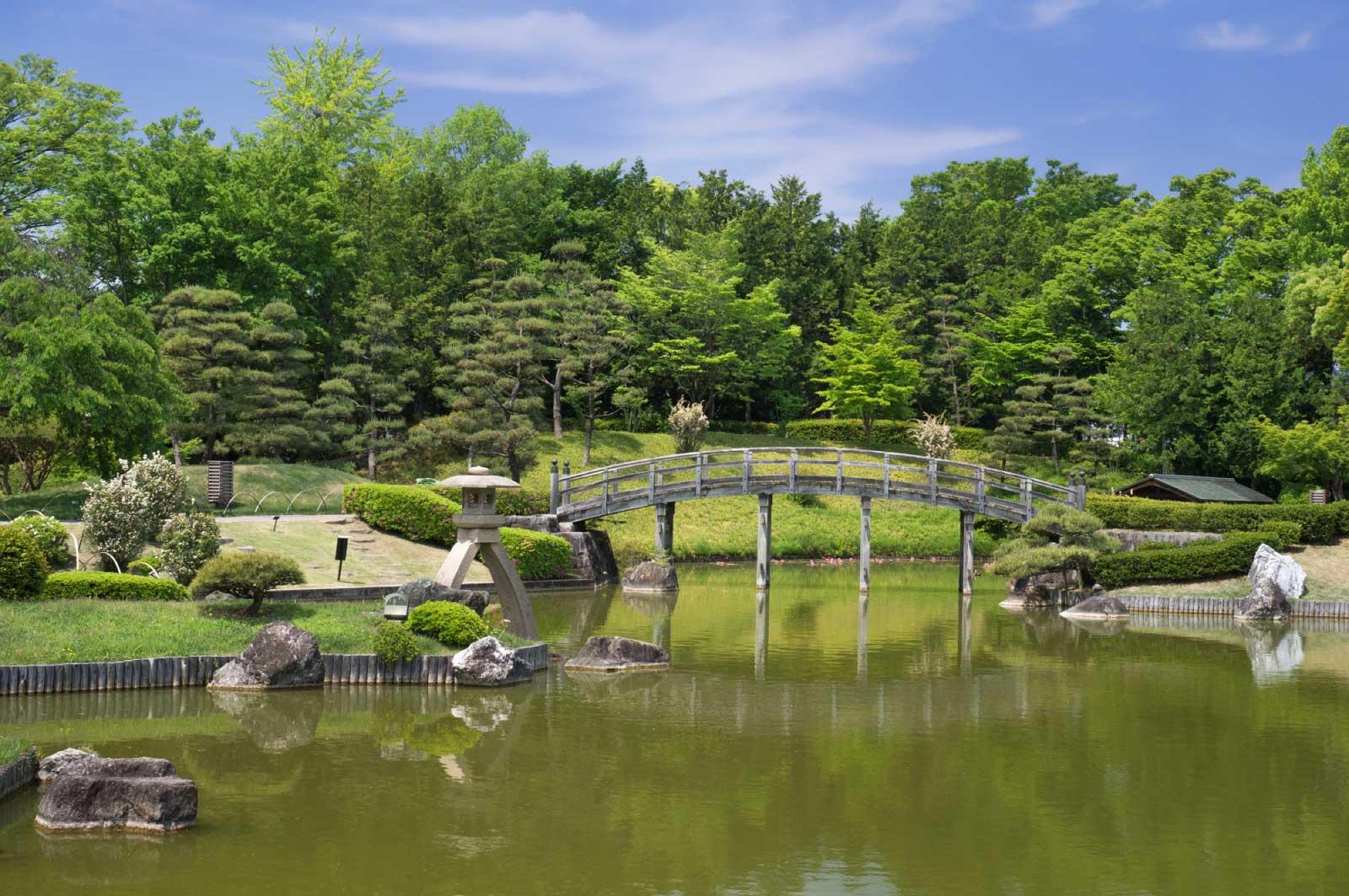 花田苑は廻遊式の庭園