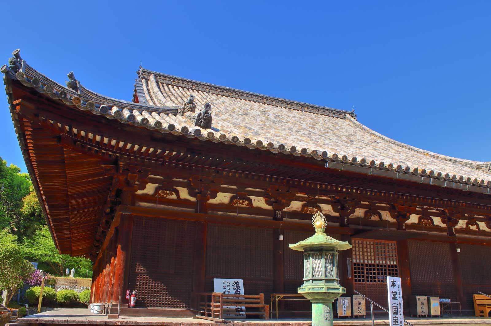 国宝に指定されている太山寺の本堂