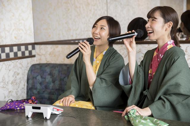 名古屋に住んでいるのにどうしてわざわざ地元の旅館なんかに行くの?