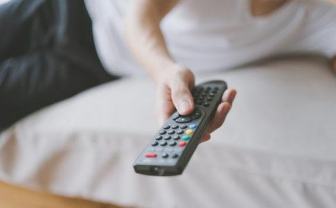 自宅でテレビ鑑賞
