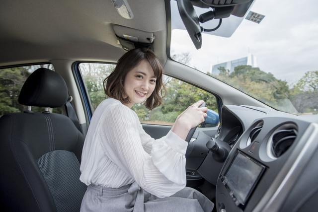 童貞を卒業させてくれた彼女の車にて