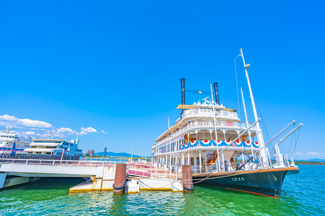 琵琶湖汽船が運営するミシガン