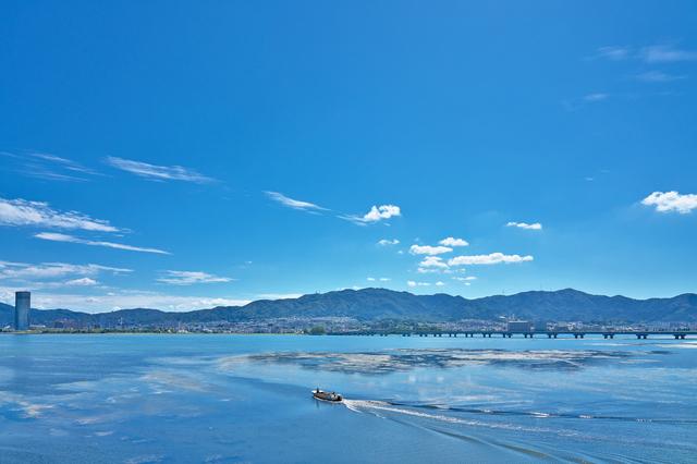 滋賀県草津市から見る琵琶湖