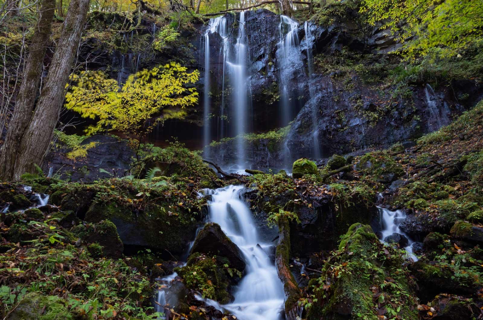 素簾の滝(スッカン沢)