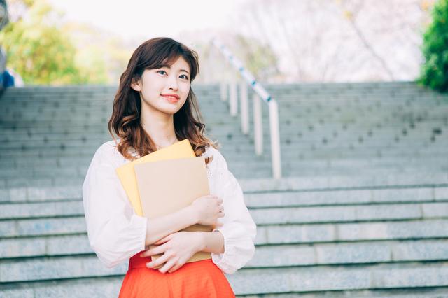 徳島出身の女子大生