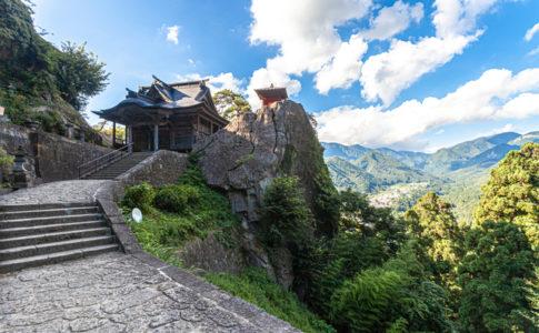 立石寺(山形)の開山堂と納経堂