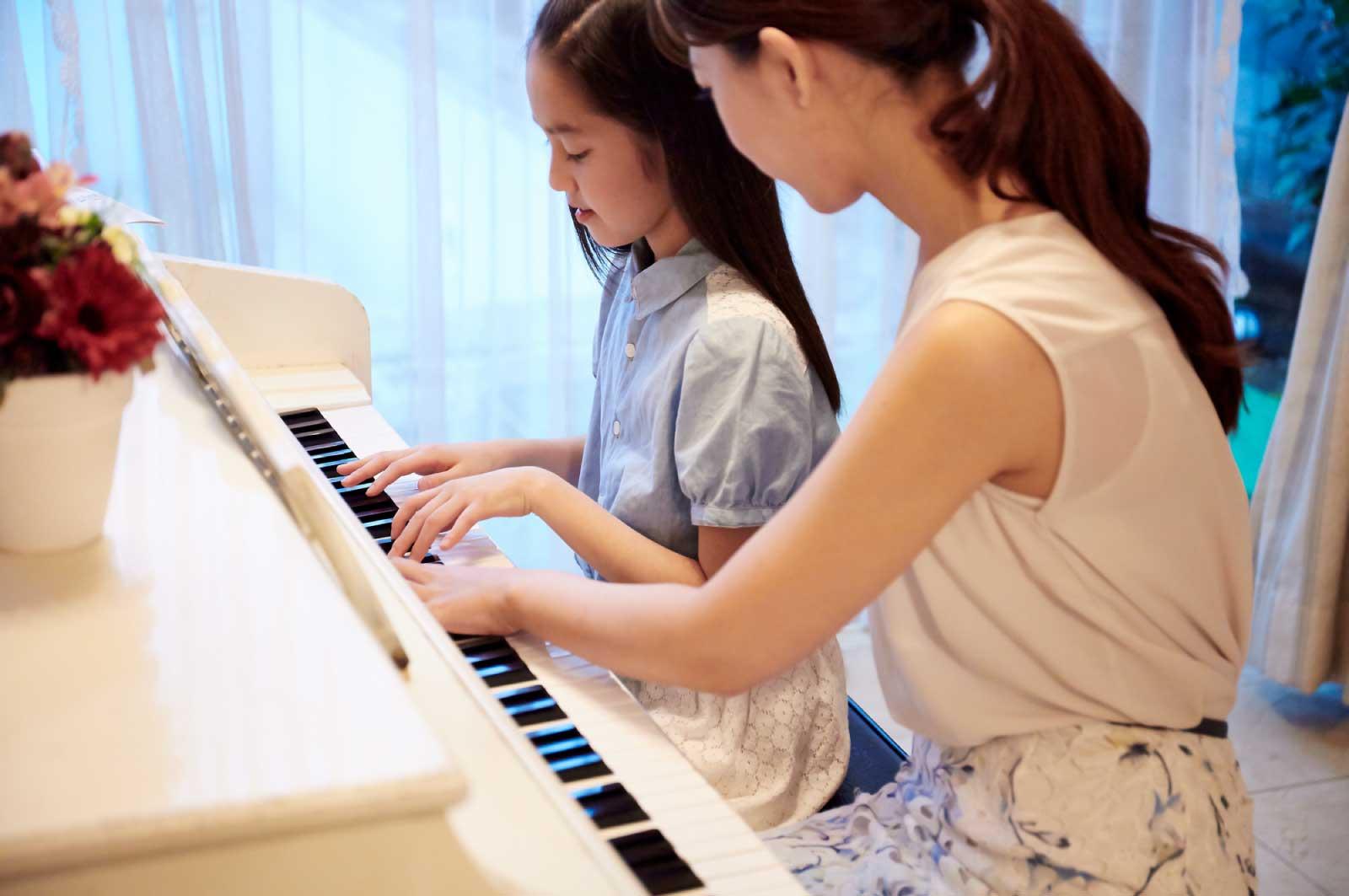 ピアノを習っている子