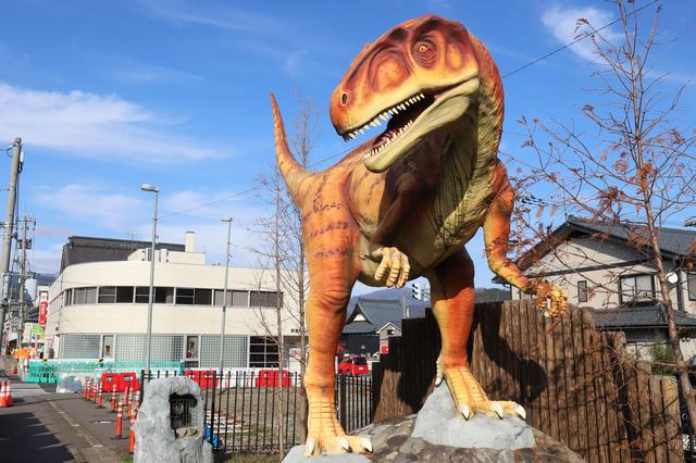 福井県勝山市にある恐竜のモニュメント