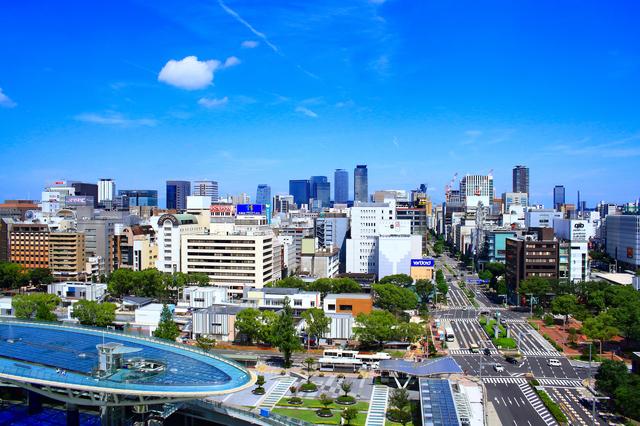 名古屋の街と水の宇宙船