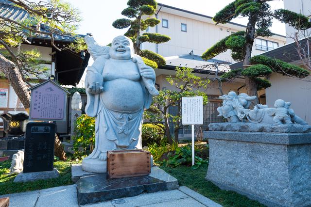 良観寺・布袋像