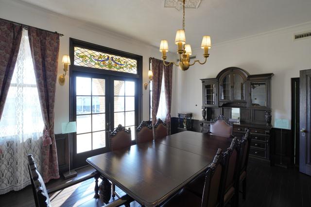 旧本多忠次邸の食堂