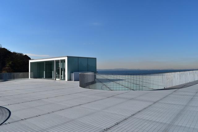 横須賀美術館の屋上は恋人の聖地