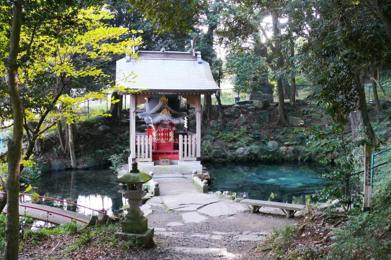 泉が森の祠