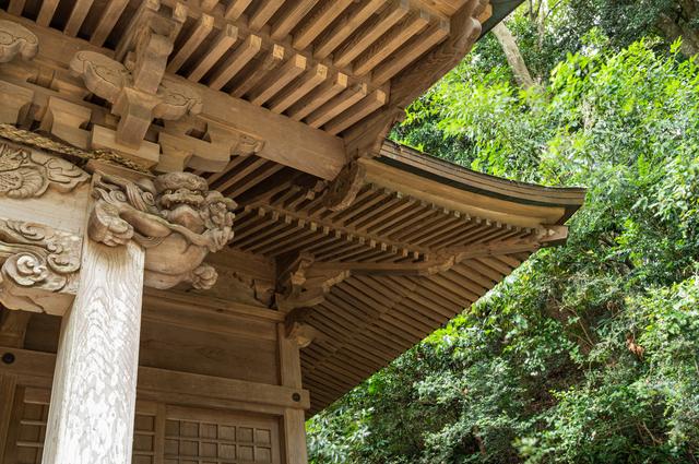 茨城・泉神社の木鼻と垂木