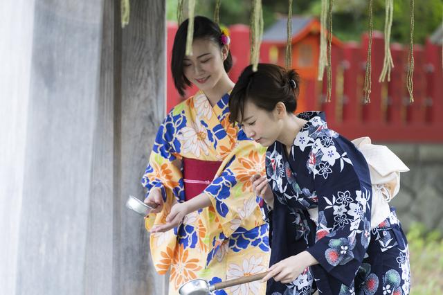 泉神社で見かけた女性