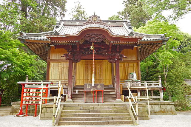 拝殿(白笹稲荷神社)