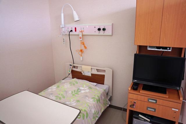 病室で正岡子規の句を読む