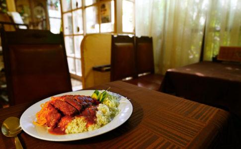 長崎の喫茶店で食べるトルコライス