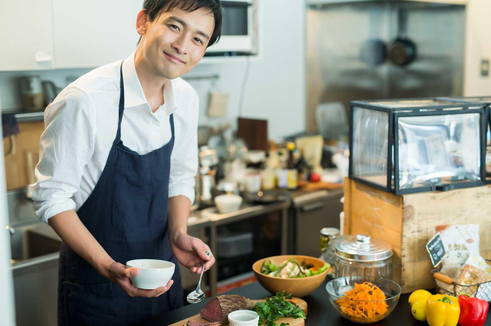 滋賀のカフェの店長