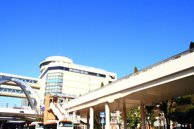 新豊田駅前