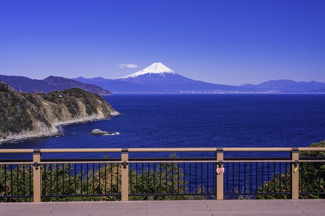 海の面する遊歩道(恋人岬)