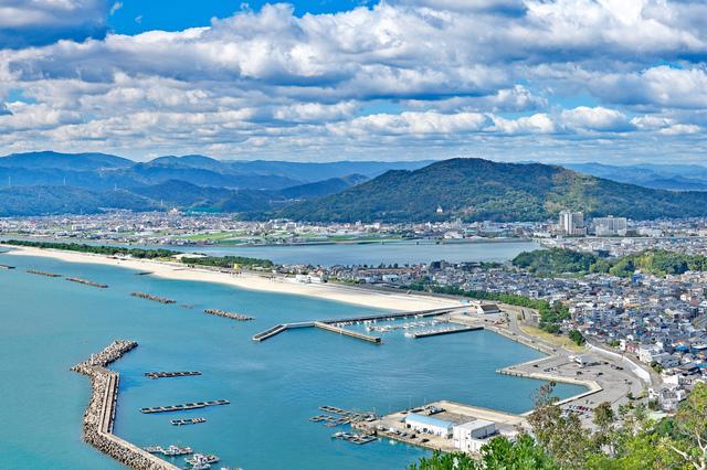 高津子山の展望台から見た和歌山市内