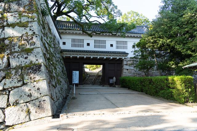 岡山城の立派な石垣