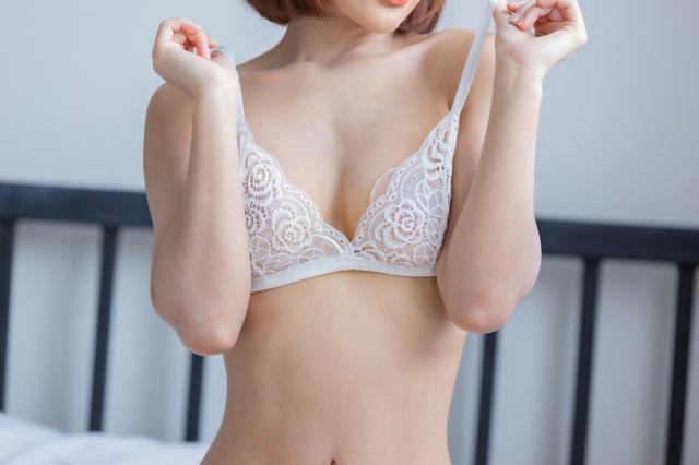 ブラがセクシーな童貞を捨ててくれそうな女性