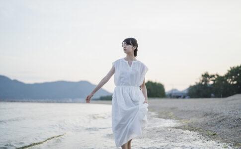 直島を歩く童貞を卒業させてくれた女性